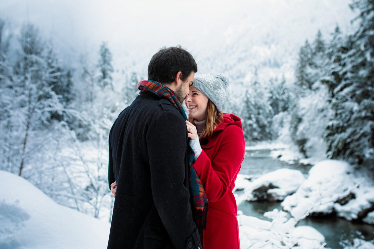 Engagement photoshoot in the winter snow